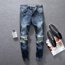 17ed59d50a58 Dunkelblaue Farbe Mode Herren Jeans Top Qualität Knöchel Banded Zerstört  Zerrissene Jeans Denim Hosen Marke Klassische Jogger Männer