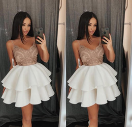 Wholesale silver design sequin cocktail dress - 2018 Charming V-Neck Ball Gown Homecoming Dresses Sleeveless Lace Sequins Simple Design Short Party Dresses Sexy Cocktail Dresses