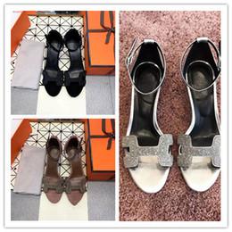 2019 wc cover Sandalias de verano al por mayor de la manera de las mujeres deslizadores de la marca de lujo de Socialite alta calidad cuero genuino tachonado diamantes de imitación zapatos casuales nuevo
