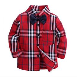 Meninos botão top on-line-Meninos da criança Camisas Xadrez Criança Meninos Menina Botões de Manga Longa Bolso Tops Camisa Turn Down Collar Blusa Casual