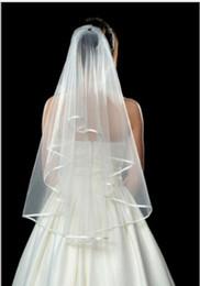 2018 Simple Ivoire / blanc Voiles De Mariée Bord Chapelle Longueur Robes De Mariée Voile Robe De Mariée Voile De Mariée ? partir de fabricateur