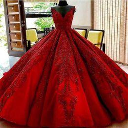 107da795ecf3 2019 abiti eleganti di sfera rossi del merletto Red Carpet Prom Dresses  Scollatura gioiello 3D Appliques