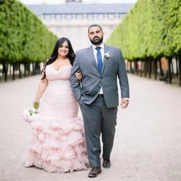 Ceintures de mariée rose en Ligne-Plus La Taille Blush Rose Robes De Mariée Sirène Perlée Ceinture Sans Bretelles Robes De Mariée Formelles Cascade De Ruffles Robes De Mariée Robes De Noiva