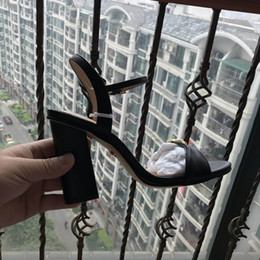 Wholesale hot silver high heels - Newest 2018 Hot Selling Gold Silver Coline Cruel Embellished Wing High Heel Sandals Brand Gilded Cage Sandals Women Size 35-42