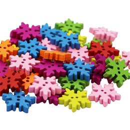 Canada 100 pièces / ensemble boutons de flocon de neige de Noël à la main en bois de Noël à coudre boucle logo décoratif bijoux DIY (100pcs / Lot) mx5129 Offre