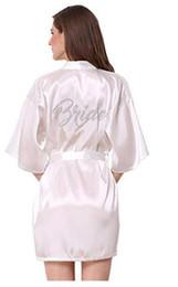2019 camisones de satén cortos mujeres Seda de dama de honor de la manera Robe la novia Mujeres atractivas Short Satin Wedding Kimono Robes ropa de dormir camisón vestido Mujer albornoz pijama camisones de satén cortos mujeres baratos