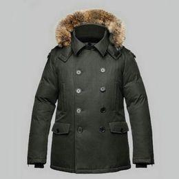 Pelz-jacke mens online-Winter Herren Jacke dicke Daunen Revers Hals-Pelz-Ordnungs Hoody zweireihiger 100% Polyester Metallmagnetknopf Mans Mantel tragen