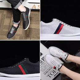 кроссовки с блестками Скидка 2018 ТОП модный бренд Бэмби блеск Low-Top тренеры Sneaker роскошные платья обувь мужчина и женщина дизайнер обуви