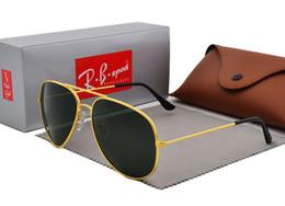 99c21dfebac9 Polarisierte Sonnenbrille für Männer Frauen Brand Design Pilot Sonnenbrille  Vintage Sport Brille Polaroid Objektiv mit braunen Fall und Box