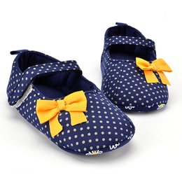 Wholesale Newborn Cotton Butterfly - Polka Dots With Yellow Butterfly-knot Newborn Baby Shoes For Girls Princess Anti-slip Soft Soled Cotton Hook & Loop Moccasain