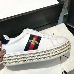 Gros marque de marque sneaker chaussures Casual chaussures mode femmes luxe marque sneaker broderie abeille perle femmes chaussures taille 35-40 ? partir de fabricateur