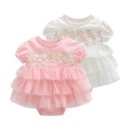 Pagliaccetti del vestito da estate del bambino appena nato 0-12M ragazza manica corta in cotone ricamato abito torta velo vestiti del bambino infantile tuta tute B11 da
