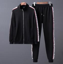 Chaqueta de diseño slim fit online-Traje de gama alta nbv marca diseñador hombres jogging trajes medusa impreso sudaderas con capucha sudadera chándal slim fit chándales para hombres chaqueta sudaderas