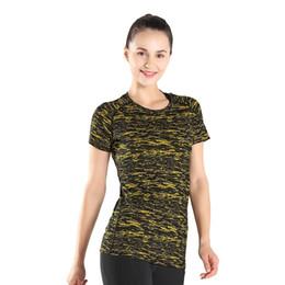 2019 roupa do camo camisetas Ioga de secagem rápida clothing camo t-shirt para as mulheres topos de moda de fitness fino correndo yoga slim manga curta yoga t-shirt de poliéster roupa do camo camisetas barato