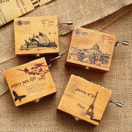 Wholesale Hand Crank Music - Antique Music Box Wooden Hand Crank Music Box Christmas Gift Birthday Party Favor Home Table Decoration
