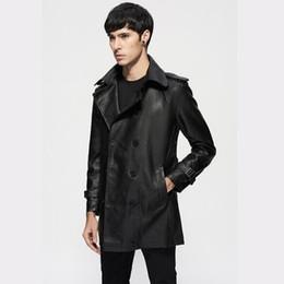 Cinturones de gabardina para hombre online-2018 primavera y otoño nuevos hombres de la correa fina de cuero de solapa cazadora masculina sección larga chaquetas coreanas Mens delgado tendencia Trench coat