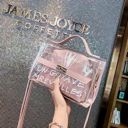 af0bdd7ddd86 2019 мода прозрачный мешок ясно Пу желе небольшой тотализатор летние письма пляжная  сумка сумки посыльного женские высокое качество Crossbody сумки на ремне