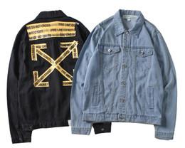 2018 Haute Qualité hommes femmes Denim Jacket Mode hors Couple Jeans Vestes  Hip Hop streetwear Blanc Noir Casual marque Jacket manteau veste jeans homme  ... 8fad4902847c