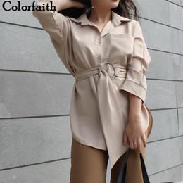blusas de senhora Desconto Colorfaith Mulheres Longas Blusas 2018 Outono SpringCasual Botões Senhoras Elegantes Lace-up Cintura Ajustada Retro Tops camisa BL3039