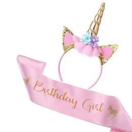 Fuentes del partido del oro rosado online-Juego de niña de cumpleaños Unicornio Diadema de Oro Unicornio con Brillo y Fajín de Satén Rosa para niñas, Fiesta de Cumpleaños Unicornio Feliz