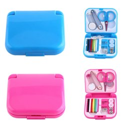 Wholesale Needle Thread Kits - Portable Travel Sewing Set Kits Storage Box Needle Threads Scissor Thimble Buttons Pins Home Tools Sewing Accessories DDA494