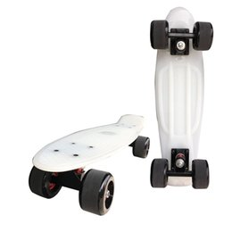 Lunghe ruote di bordo online-Hottest 22 pollici a quattro ruote Mini Cruiser Banana Style Long-board colore pastello Skate Board Long Street Skateboard Outdoor Sports