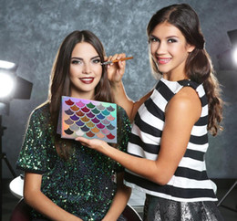 Wholesale Full Fashioned Stockings - 2018 New stock Fashion Women Beauty Cleof Cosmetics The Mermaid Glitter Prism Palette Eye Makeup Eyeshadow Palette