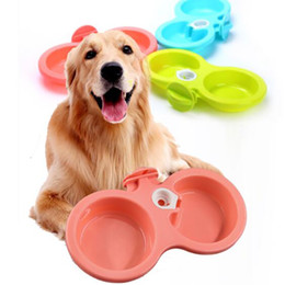impianto appendente Sconti Pet Cage Hanging Bowl per cane Puppy Cat Automatic Water Drinking Feeder Dual Use Cani Doppio ciotole Blue / Pink / Green Free DHL 819
