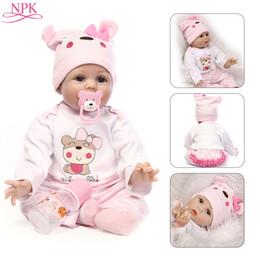 2019 старые игрушки NPK Doll Reborn 55CM Мягкие силиконовые новорожденные детские куклы Виниловые игрушки Большие куклы для девочек 3-7 лет Старый ребенок с блузкой дешево старые игрушки