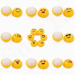 lèvre humide Promotion Jaune boule baume à lèvres QQ Expression sphérique rouge à lèvres durable orange moelleux goût rouge à lèvres boule Emoji Baume à lèvres T7F003