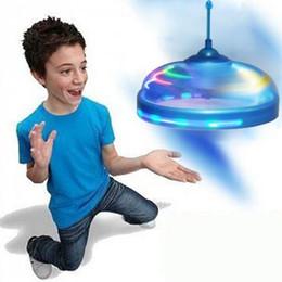 Nova Moda Crianças Brinquedos Sensor de Voo Disco Voador UFO Induzido Pairando Mão Flutuante Vôo Movimentos Da Mão Brinquedo UFO Sports Toys Brincar Ao Ar Livre cheap floating sensor de Fornecedores de sensor flutuante