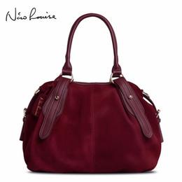 2019 женская кожаная сумка для врача Нико Луиза женщины натуральная замша Бостон сумка оригинальный дизайн Леди плечо путешествия доктор сумка топ-ручка сумки мешок D18102407 скидка женская кожаная сумка для врача