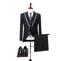 Argentina Tres piezas de boda negro hombres trajes 2018 blanco solapa en pico de un botón de boda esmoquin chaquetas pantalones chaleco estilo Foviva 09007 Suministro
