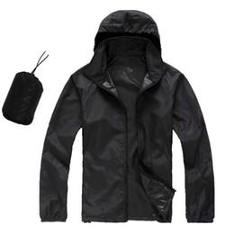 Chaqueta impermeable de verano online-2018 nuevas mujeres del verano para hombre marca lluvia abrigos chaqueta exterior informal sudaderas con capucha a prueba de viento y protector solar abrigos cara negro blanco XS-XXXL