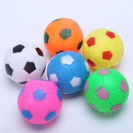 2019 collari di cane scioccante colorato simpatico giocattolo per animali domestici durevole nuova forma di calcio piccola palla cane suono formazione masticazione giocattoli striduli