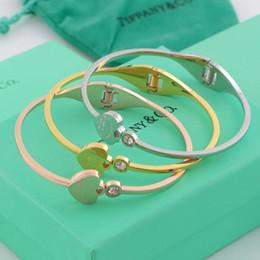 2019 bracelets en diamant à vendre Vente chaude Top Qualité En Acier Inoxydable 316L punk ouvert bracelet avec diamant et coeur pour femmes bijoux cadeau de mariage Livraison gratuite PS6258 bracelets en diamant à vendre pas cher