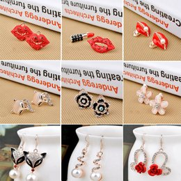 Wholesale japanese stud earrings - 12 color Spiral ear hook are very popular in Japanese and Korean Cute and charming Creative Crystal earring Lip stud earrings T1C143