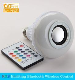 Bombilla de luz inteligente bluetooth online-E27 Inteligente RGB RGBW Inalámbrico Altavoz Bluetooth Bulbo Reproducción de música Regulable Lámpara LED con luz de bombilla con 24 teclas de control remoto