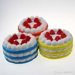 Canada Squishy Slow Rising Gâteau aux fraises Slow Rising 15 s Gâteau à la crème Élastique Environnementalement PU Cinq couleurs 12 * 7 cm Livraison gratuite Offre