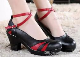 Zapatos de baile online-Los nuevos zapatos de baile de cuero de tacón de primavera e invierno, fondo redondo suave, baile cuadrado antideslizante con mesa impermeable, tres escalones