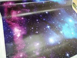 Impressão gráfica em vinil on-line-O vinil impressionante de Camo da galáxia para o envoltório do carro com bolha de ar imprimiu o carro livre que envolve o tamanho 1.52x30m dos gráficos