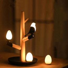 2019 ночная оптика оптом Оптовая китайский стиль Lucky Bird светодиодные ночь настольная лампа дерево база интеллектуальный датчик движения Luminaria Гостиная Спальня стол свет скидка ночная оптика оптом