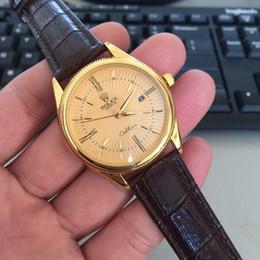 2019 недорогие наручные часы Топ бренд роскошь 2019 мода Кожаный ремешок кварцевые мужские часы дизайнер повседневная дата бизнес мужской наручные часы швейцарские часы Montre Homme