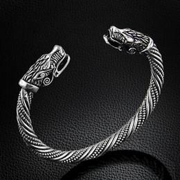 Al por mayor-LAKONE adolescente Wolf Head pulsera de la joyería india  accesorios de moda Viking pulsera hombres muñequera brazalete pulseras para  mujeres ... 6911febac5c