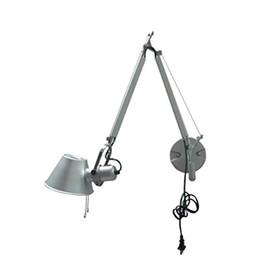 Европейская современная бытовая алюминиевая контрактная гостиная спальня светодиодная лампа изголовья длинная рука соломенная шляпа настенная от Поставщики европейские кровати