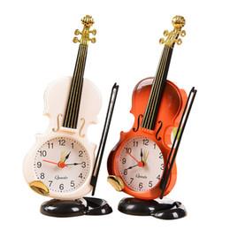 Deutschland Mode nette Gefälschte Violine Form Kinder Spielzeug Wecker Tischuhr Studenten Stil Uhr Umweltfreundliches Material Für heimtextilien Versorgung