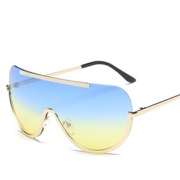 Wholesale Trendy Black Frame Glasses - 2018 new sunglasses European and American big frame glasses Siamese goggles fashion trendy ocean sunglasses wholesale
