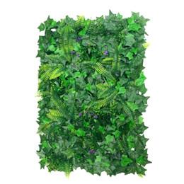 40 * 60 cm Adornos Artificiales Plantas de Pared Fake Lawn Faux Creepers Hoja de Hierba W / Blossom Home Wedding Garden Buildings Decoración desde fabricantes