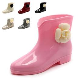 Scarpe da pioggia della caviglia online-12 COLORI Sweet New Arrival Stivali da pioggia Impermeabili Flat With Shoes Donna Rain Shoes Water Rubber Stivaletti Bowtie