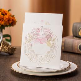 Canada Top qualité gratuit impression Ivroy blanc personnalisé cartes creuses romantique pour invitation de mariage de fête de fiançailles Offre